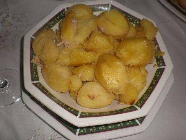 papasguisadas2 - ▷ Cinta de lomo rellena de Salsa de frutos secos en reducción de vino tinto  